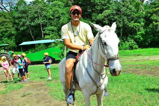 Flamingo Beach Resort & Spa: Horse riding adventure