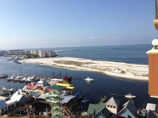 Emerald Grande at HarborWalk Village: Great Views