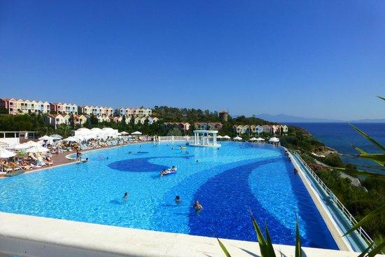 Club Marvy: Panorama-Pool