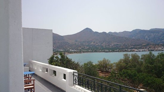 Elounda Island Villas : view to the left top balcony villa 4