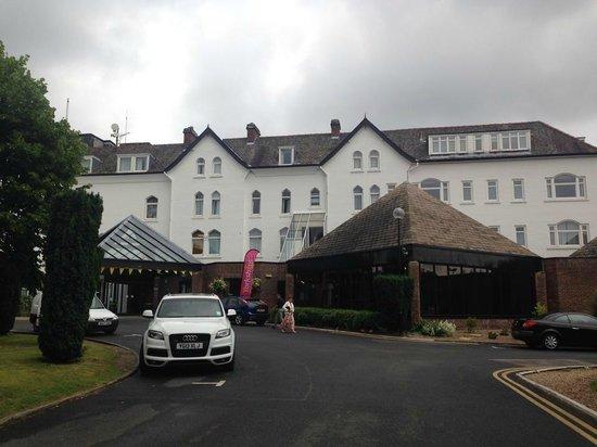 York Marriott Hotel: outside