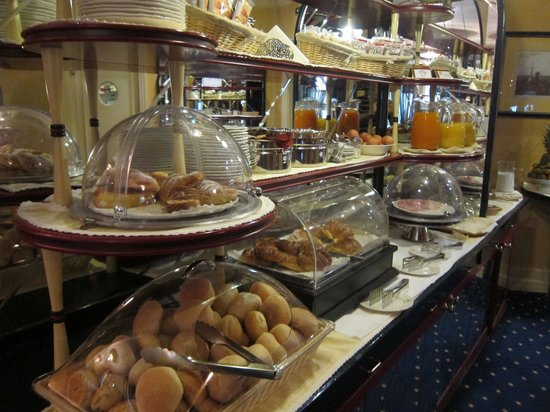 Hotel Auriga: Breakfast buffet
