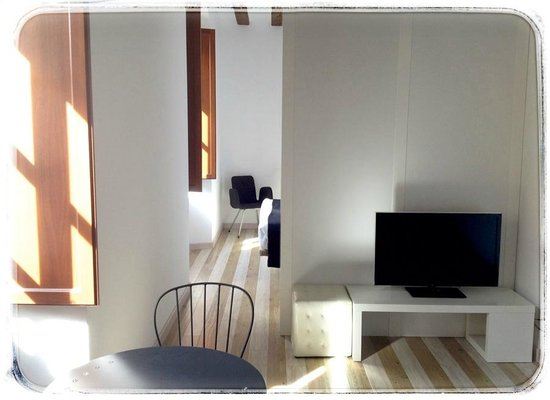 Apartamentos Turisticos Rincones del Vino : Salón de un Estudio