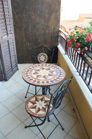 La Dolce Vita - Luxury House: Il bel tavolino sul balcone