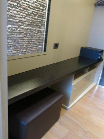 Campo Marzio Luxury Suites: Luggage storage area