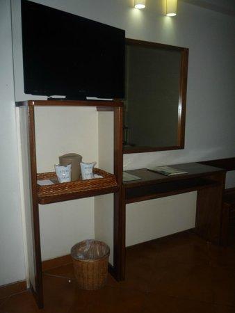 Hotel Ole Caribe: Di fronte il letto