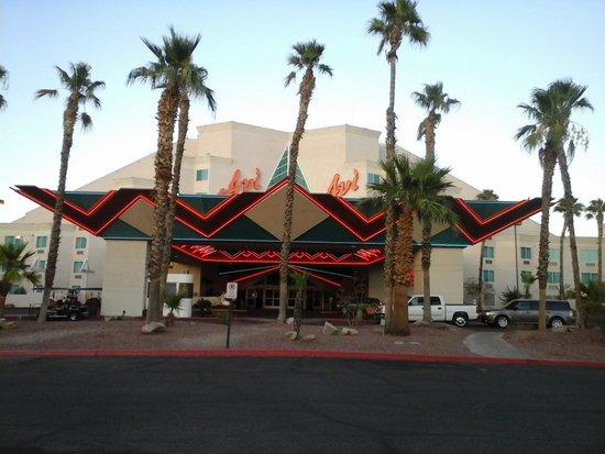 Avi Resort & Casino: entrée casino hotel