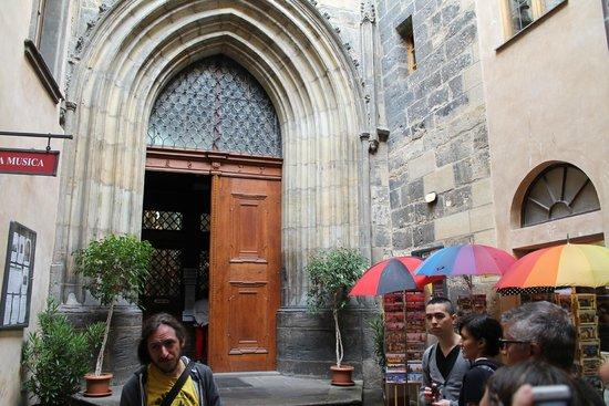 Discover Prague Tours: St Mary