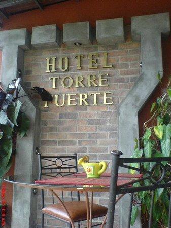 Torre Fuerte : restaurante exterior