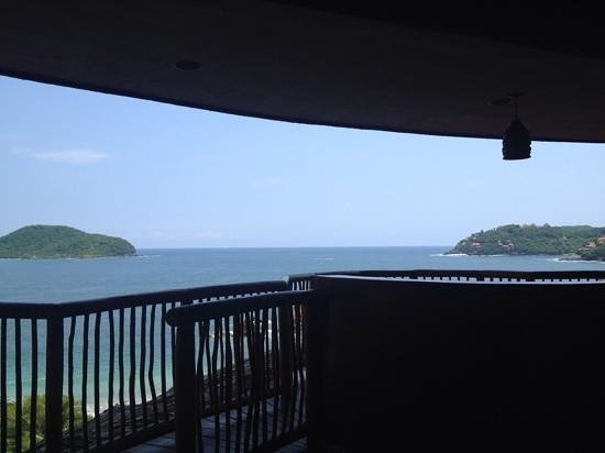 Embarc Zihuatanejo: view from lobby/hotel check in