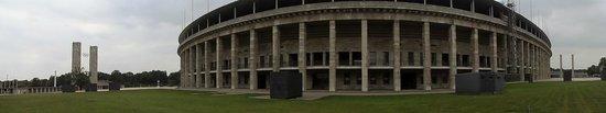 Stade olympique (Olympiastadion) : Stadium Architecture