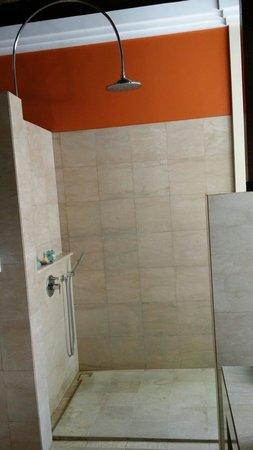 Novotel Bali Benoa : Shower in our pool villa