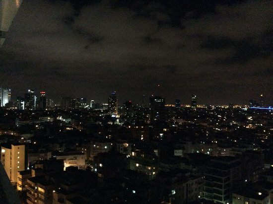 Sheraton Tel Aviv Hotel : Night Time Views of Tel-Aviv