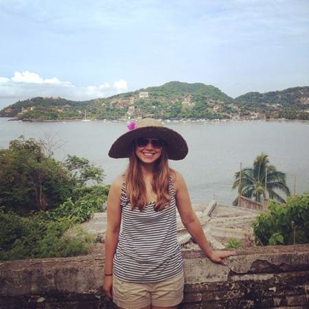 Embarc Zihuatanejo: view on walk into town