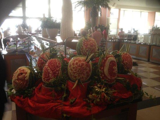 Club Marvy: Watermelon carving