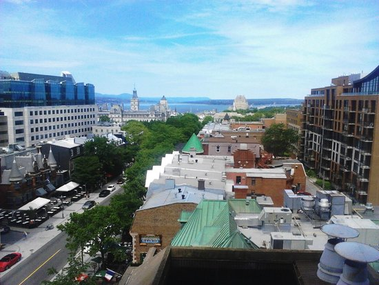 Hôtel Le Concorde Québec : Vue vers le fleuve