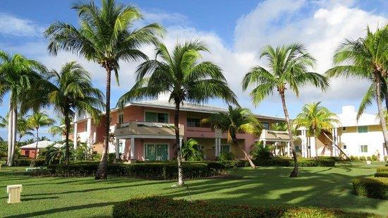 Paradisus Rio de Oro Resort & Spa : Edifice abritant les chambres