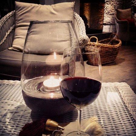Hotel Mioni Pezzato: вечер в каминной
