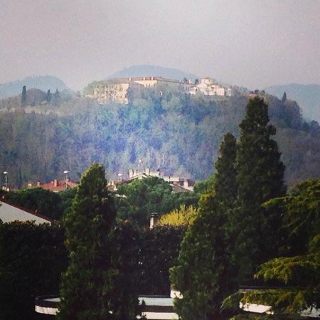 Hotel Mioni Pezzato: вид из углового номера