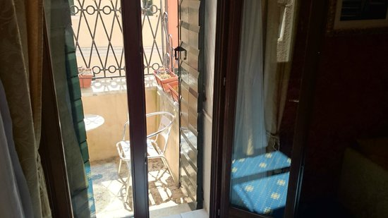 Residenza Ca' San Marco : Petit balcon donnant sur le canal
