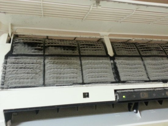 ETIS Serviced Residence : clogged airconditioning filter