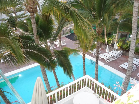 Hotel Altamar: one of the pools