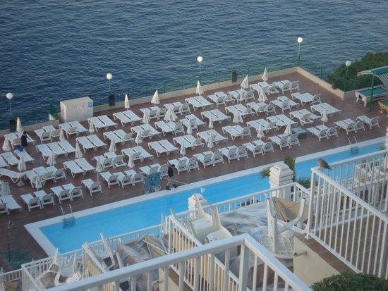 Hotel Altamar: quieter pool