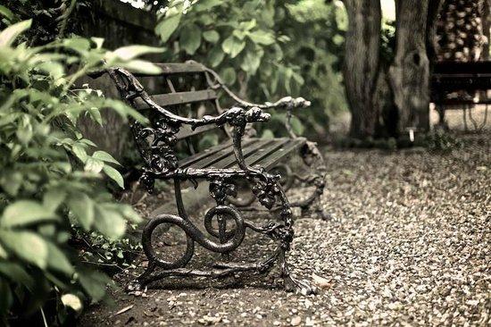 Villa Sermolli : Ein ruhiges Plätzchen im Garten...