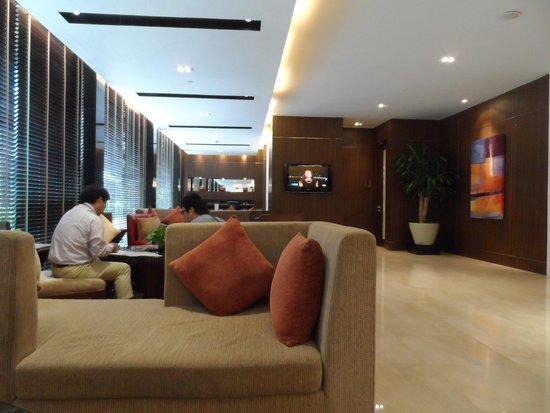 Legacy Suites Sukhumvit by Compass Hospitality: De lobby