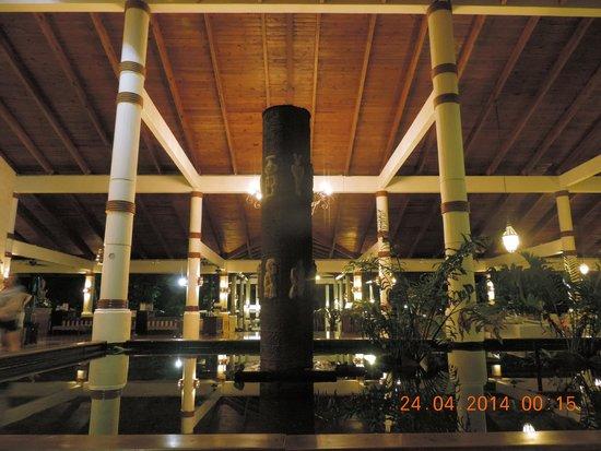 Grand Palladium Bavaro Suites Resort & Spa: Lobby