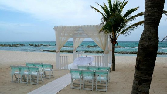 El Dorado Royale, a Spa Resort by Karisma: Our wedding ceremony location prior to the wedding