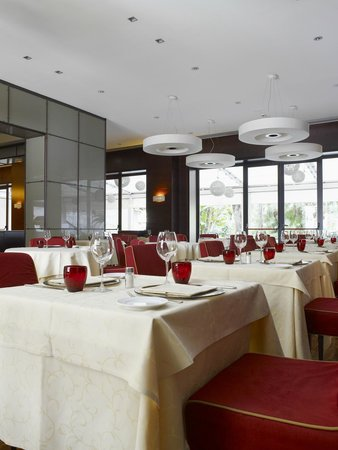 NH Palermo: Restaurant