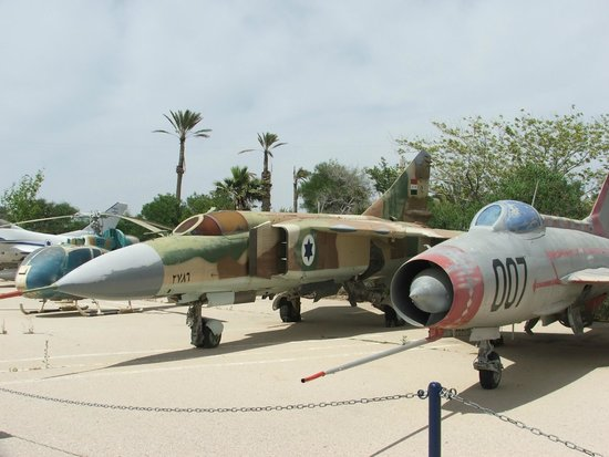 Hatzerim Israel Airforce Museum: Captured aircraft