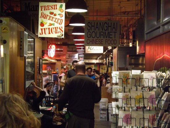 "Reading Terminal Market : ""Miles of aisles"""