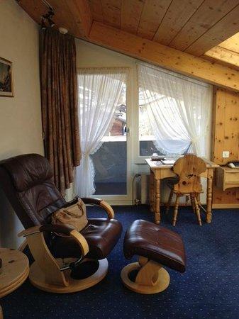 Hotel Matterhornblick : Single room, top floor