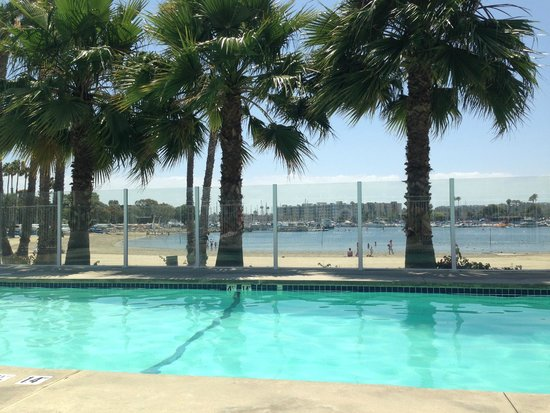 Jamaica Bay Inn : pool view facing beach