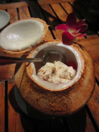 Kan Eang@Pier Restaurant : Coconut milk ice cream
