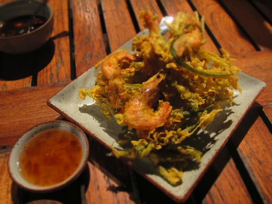 "Kan Eang@Pier Restaurant : Deep-fried ""Buea"" with shrimps"