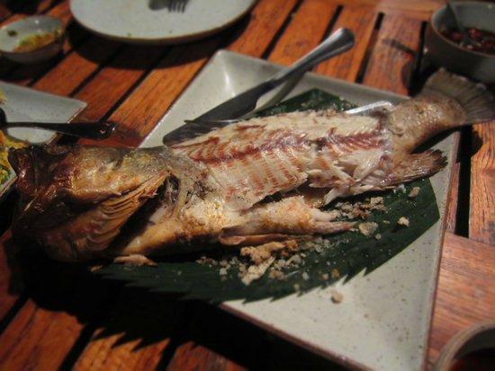 Kan Eang@Pier Restaurant : Baked fish with salt