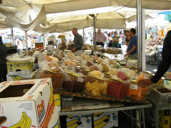 Boutique Hotel Campo de Fiori: Open Air Market in Campo de Fiori - around corner from hotel