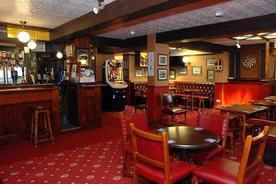 Old Ship Inn: the main bar