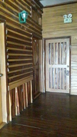Phu Pha Nam Resort: Door to enter room