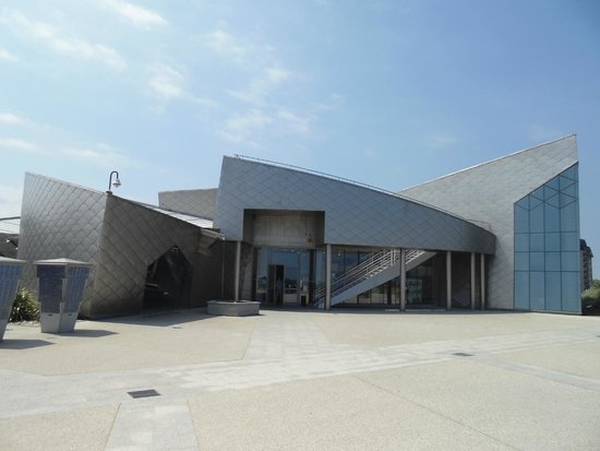 Centre Juno Beach : Main building