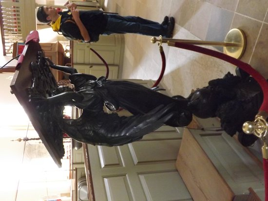 Bruton Parish Episcopal Church: Lecturn donated by Teddy Roosevelt
