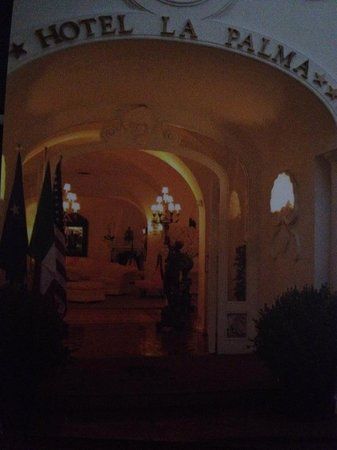 Hotel La Palma: Entrance to the Hotel