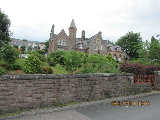 St. Andrews Guest House: view from street