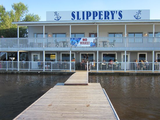 Slippery's Tavern and Restaurant: High water at Slippery's