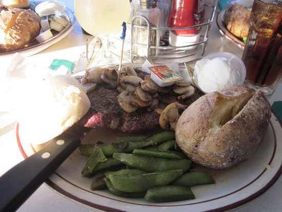 Slippery's Tavern and Restaurant: Awesome steak meal