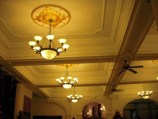 Queen's Hotel: soffitto hotel