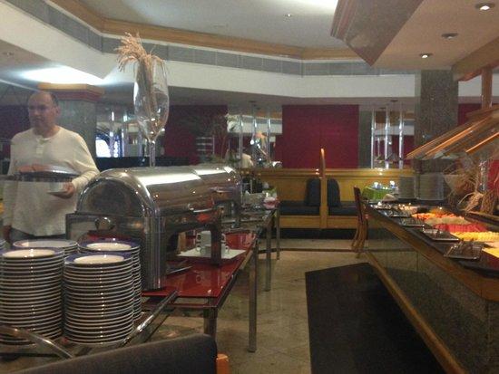 Da Vinci Hotel & Conventions: Café da manhã